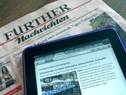 Die »Fürther Nachrichten« in analoger und digitaler Fassung (Foto: Ralph Stenzel)