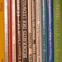 Es gibt deutlich mehr Fürth-Bücher, als man meinen sollte... (Foto: Ralph Stenzel)